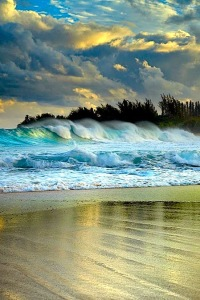 Haena Surf, Kauai, Hawaii by Patrick Smith