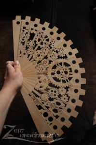 Handmade Steampunk Fan by Zeitunschaerfe